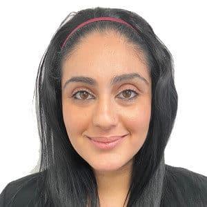 Yassmine Hostess - Receptionist